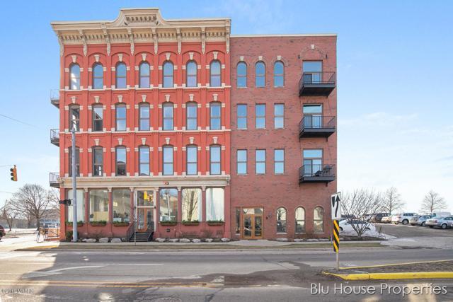801 Monroe Avenue NW #203, Grand Rapids, MI 49503 (MLS #19010029) :: JH Realty Partners