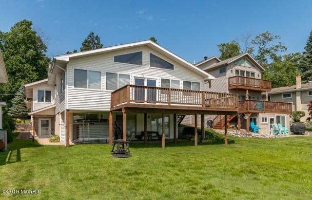50367 W Lakeshore Drive, Dowagiac, MI 49047 (MLS #19010068) :: JH Realty Partners