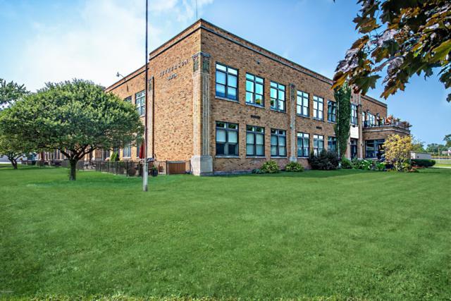 2214 S State Street #109, St. Joseph, MI 49085 (MLS #19010268) :: Deb Stevenson Group - Greenridge Realty