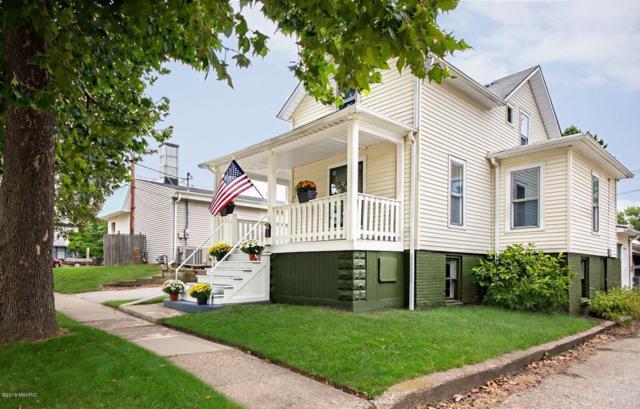 711 Jones Street, St. Joseph, MI 49085 (MLS #19010316) :: Deb Stevenson Group - Greenridge Realty