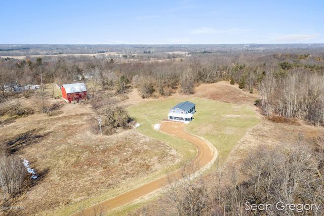 8026 W Crane Road, Middleville, MI 49333 (MLS #19010418) :: Deb Stevenson Group - Greenridge Realty