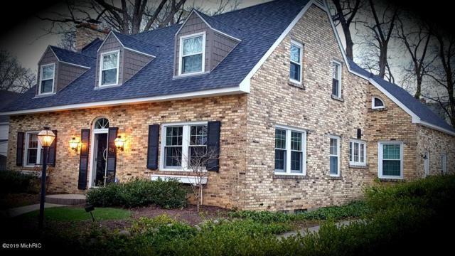 823 Gladstone Drive SE, East Grand Rapids, MI 49506 (MLS #19010482) :: Deb Stevenson Group - Greenridge Realty