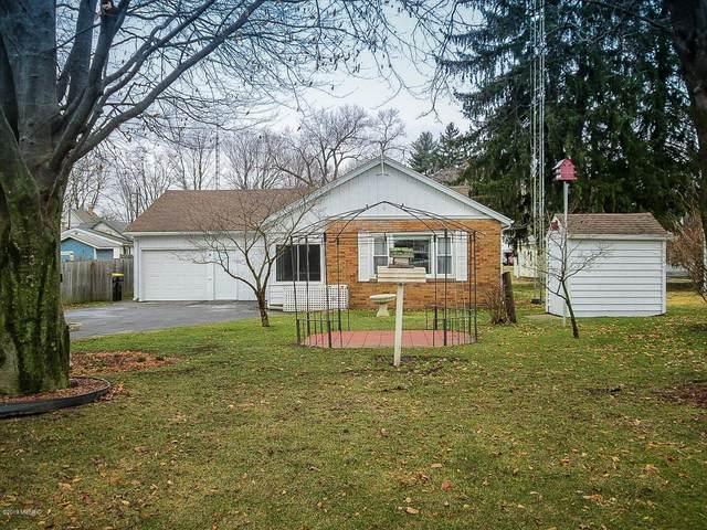 309 N Cayuga Street, Buchanan, MI 49107 (MLS #19010602) :: Deb Stevenson Group - Greenridge Realty