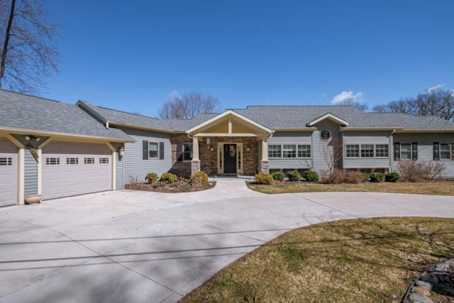 62325 Lagoon Drive, Cassopolis, MI 49031 (MLS #19010652) :: Deb Stevenson Group - Greenridge Realty