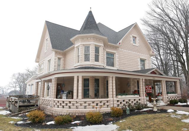 7812 Main Street Street, Bear Lake, MI 49614 (MLS #19010688) :: Deb Stevenson Group - Greenridge Realty