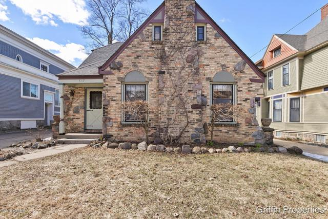 517 Prospect Avenue SE, Grand Rapids, MI 49503 (MLS #19010874) :: JH Realty Partners