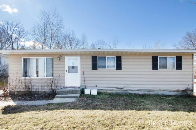 1851 Ball Avenue NE, Grand Rapids, MI 49505 (MLS #19010943) :: JH Realty Partners