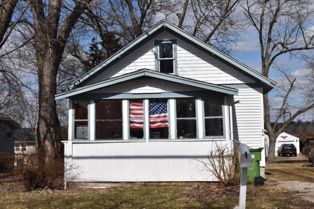 84 Avenue C, Springfield, MI 49037 (MLS #19010989) :: Deb Stevenson Group - Greenridge Realty
