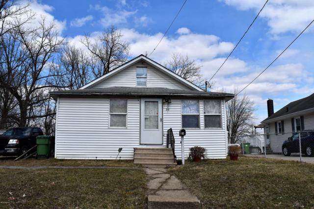 38 Avenue B, Springfield, MI 49037 (MLS #19011109) :: Deb Stevenson Group - Greenridge Realty