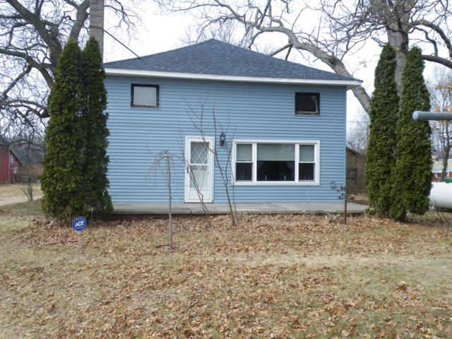 8533 S 80th Avenue, Montague, MI 49437 (MLS #19011504) :: Matt Mulder Home Selling Team