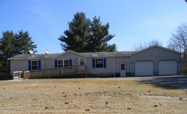 8076 170th Avenue, Stanwood, MI 49346 (MLS #19011786) :: Matt Mulder Home Selling Team