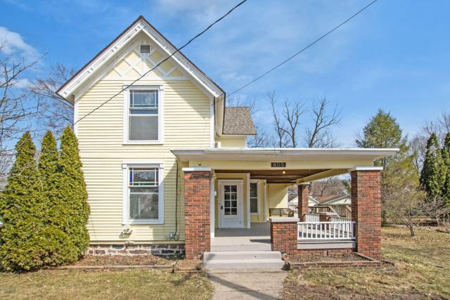 605 N Monroe Street, Lowell, MI 49331 (MLS #19011798) :: Deb Stevenson Group - Greenridge Realty