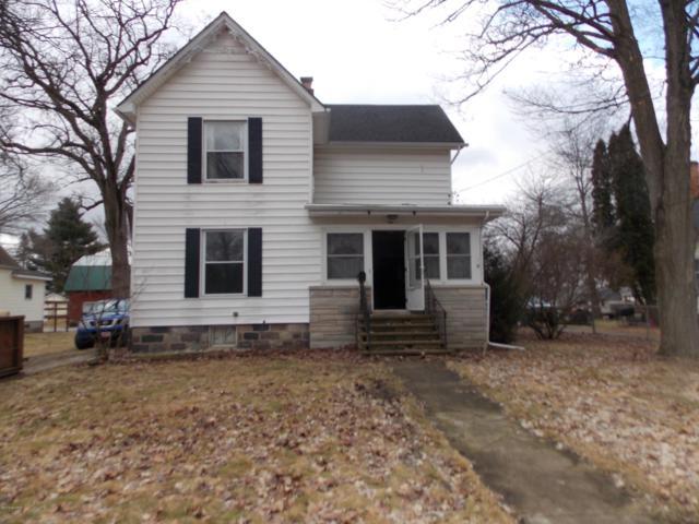 204 E Corey Street, Bronson, MI 49028 (MLS #19011820) :: Matt Mulder Home Selling Team