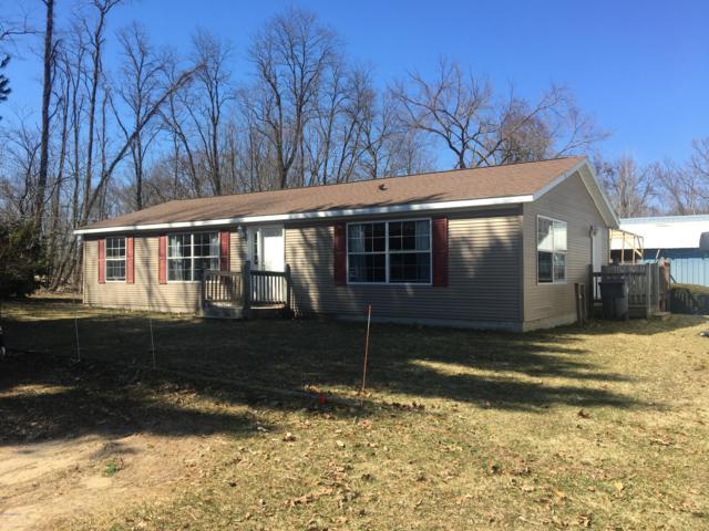 5750 W B Avenue, Plainwell, MI 49080 (MLS #19011868) :: Matt Mulder Home Selling Team