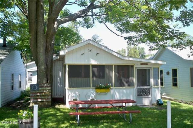 3181 N Lakeshore Drive Canary/ Sandpip, Ludington, MI 49431 (MLS #19012013) :: CENTURY 21 C. Howard