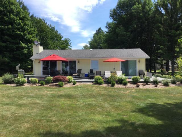 7739 N Old Channel Trail, Montague, MI 49437 (MLS #19012036) :: Matt Mulder Home Selling Team