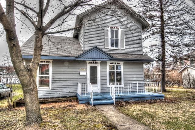 308 S Elm Street, Three Oaks, MI 49128 (MLS #19012065) :: Deb Stevenson Group - Greenridge Realty
