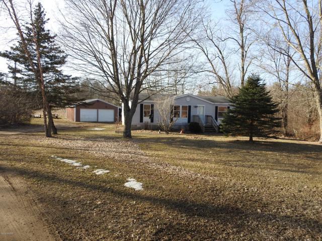 1237 E Arthur Road, Rothbury, MI 49452 (MLS #19012427) :: Matt Mulder Home Selling Team