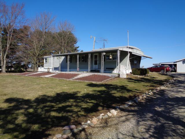4350 North Adams Road, Jonesville, MI 49250 (MLS #19012688) :: Deb Stevenson Group - Greenridge Realty