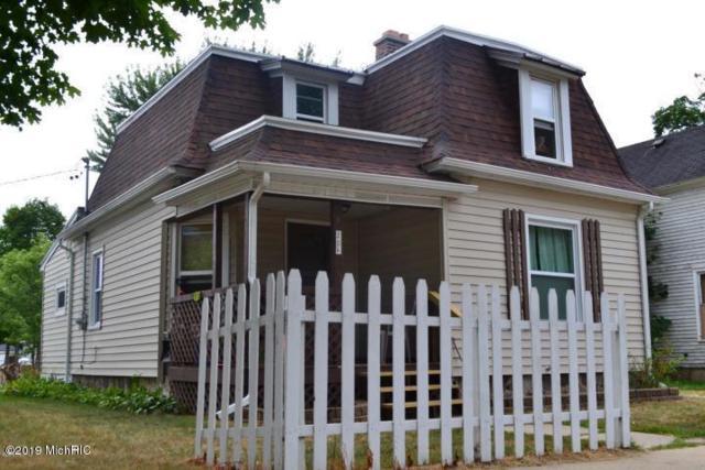 206 Phillips Street, Nashville, MI 49073 (MLS #19012830) :: Deb Stevenson Group - Greenridge Realty
