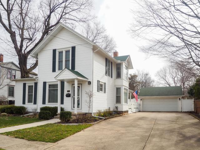216 N Sycamore Street, Marshall, MI 49068 (MLS #19013225) :: Matt Mulder Home Selling Team