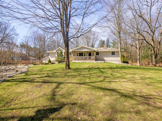 3501 S Hilton Park Road, Fruitport, MI 49415 (MLS #19013356) :: Matt Mulder Home Selling Team