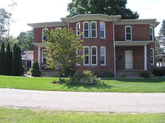 480 Centreville Road, Constantine, MI 49042 (MLS #19013377) :: Deb Stevenson Group - Greenridge Realty