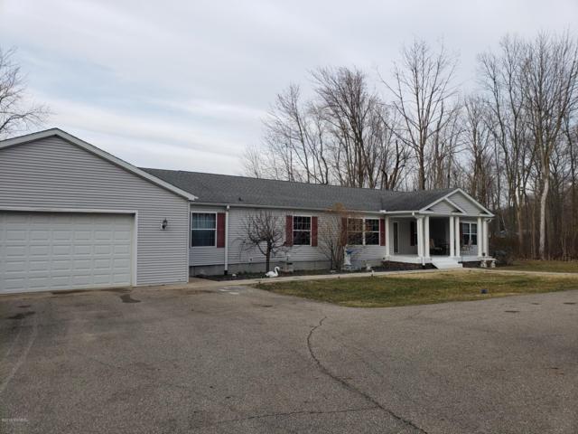 49975 Rush Lake Road Road, Hartford, MI 49057 (MLS #19013452) :: CENTURY 21 C. Howard