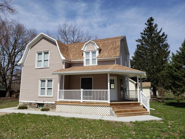 503 Spruce Street, Vicksburg, MI 49097 (MLS #19013523) :: Matt Mulder Home Selling Team