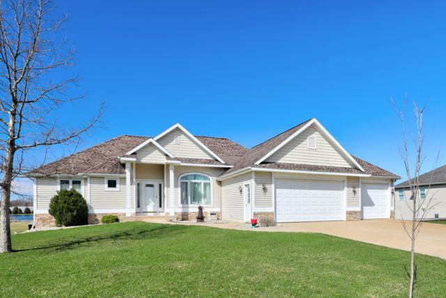 9377 Perry Street, Zeeland, MI 49464 (MLS #19013700) :: Matt Mulder Home Selling Team