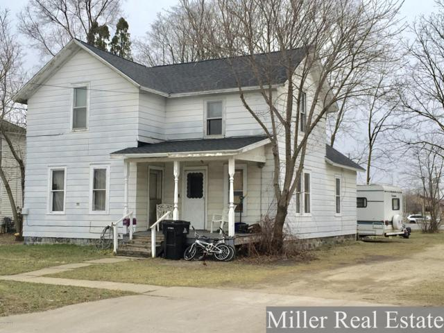 128 N Washington Street, Hastings, MI 49058 (MLS #19014118) :: Matt Mulder Home Selling Team