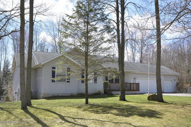 32727 Bradeen Avenue, Paw Paw, MI 49079 (MLS #19014293) :: Matt Mulder Home Selling Team