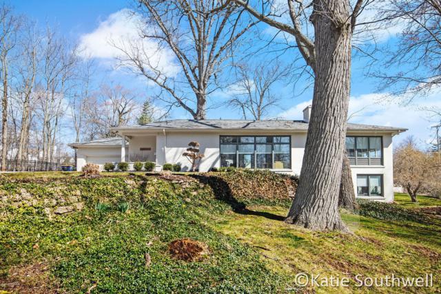 2755 Hall Street SE, East Grand Rapids, MI 49506 (MLS #19014395) :: CENTURY 21 C. Howard