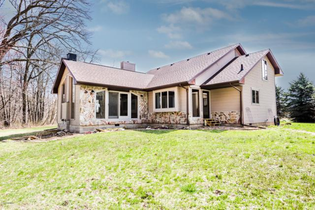 2425 Hochberger Road, Eau Claire, MI 49111 (MLS #19014461) :: Deb Stevenson Group - Greenridge Realty