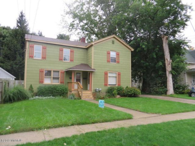 135 W Hanover Street, Marshall, MI 49068 (MLS #19014484) :: Matt Mulder Home Selling Team