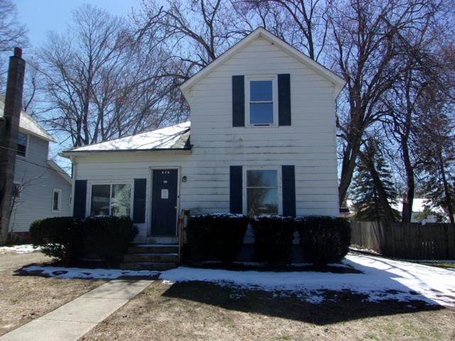 626 W Bond Street, Hastings, MI 49058 (MLS #19014545) :: Matt Mulder Home Selling Team