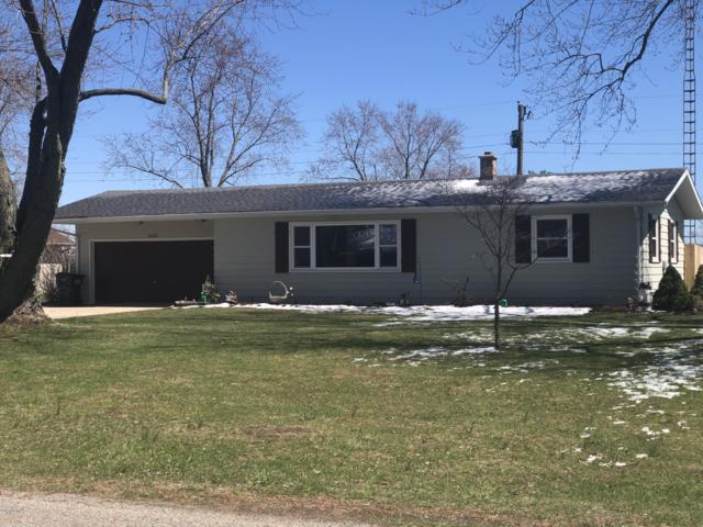 5535 Defield Road, Coloma, MI 49038 (MLS #19014626) :: Deb Stevenson Group - Greenridge Realty