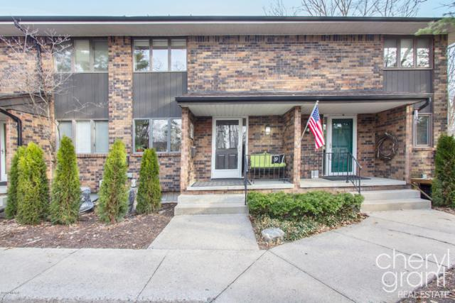 537 Greenwood Avenue SE B, East Grand Rapids, MI 49506 (MLS #19014695) :: Matt Mulder Home Selling Team