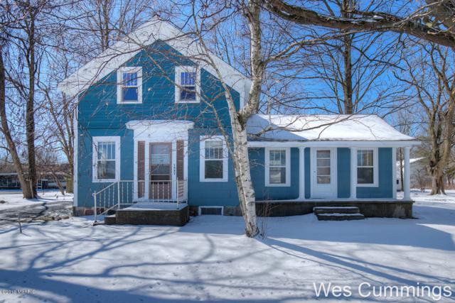 1337 W State Street, Belding, MI 48809 (MLS #19014755) :: Matt Mulder Home Selling Team