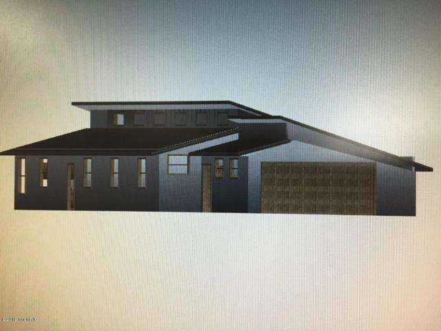 8387 Lake Avenue, Watervliet, MI 49098 (MLS #19014840) :: Matt Mulder Home Selling Team