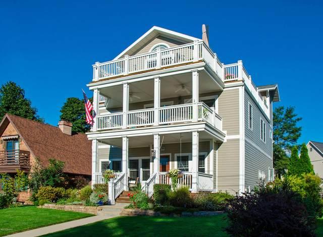 1417 Lake Boulevard, St. Joseph, MI 49085 (MLS #19014963) :: Matt Mulder Home Selling Team