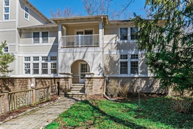 18460 Dunecrest Drive #16, New Buffalo, MI 49117 (MLS #19015025) :: Matt Mulder Home Selling Team
