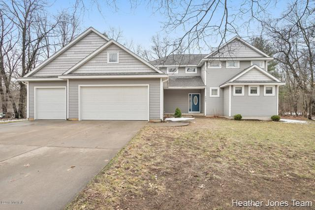 8467 Cochise Drive, Howard City, MI 49329 (MLS #19015067) :: Matt Mulder Home Selling Team