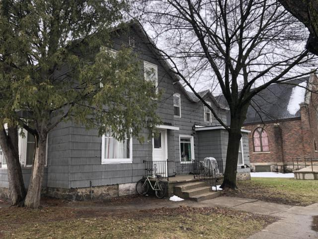306 S Chestnut Street, Reed City, MI 49677 (MLS #19015303) :: Matt Mulder Home Selling Team