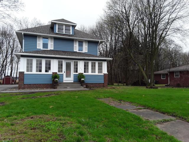 413 N Lakeview Avenue, Sturgis, MI 49091 (MLS #19015352) :: Matt Mulder Home Selling Team