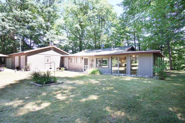 5716 S 144th Avenue, Rothbury, MI 49452 (MLS #19015470) :: Matt Mulder Home Selling Team