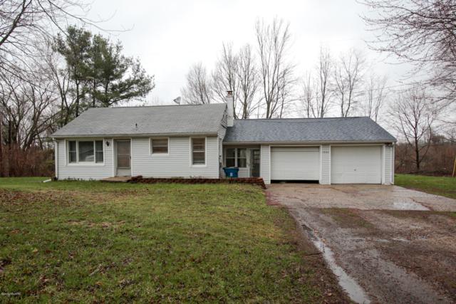 1534 W B Avenue, Plainwell, MI 49080 (MLS #19015515) :: Matt Mulder Home Selling Team