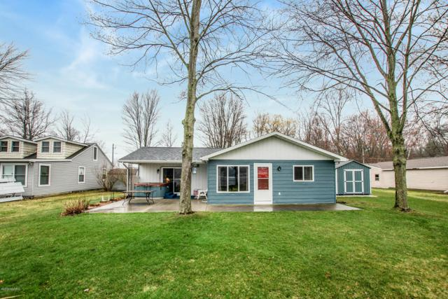 9070 Wellington Drive, Newaygo, MI 49337 (MLS #19015582) :: Deb Stevenson Group - Greenridge Realty