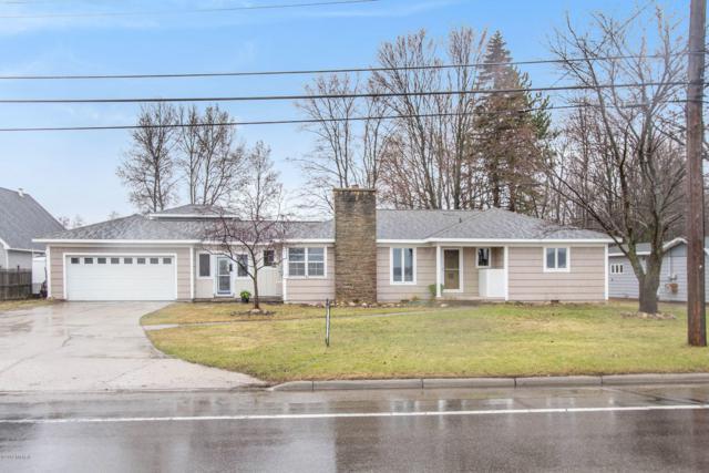1507 Sunnyside Drive, Cadillac, MI 49601 (MLS #19015605) :: Matt Mulder Home Selling Team