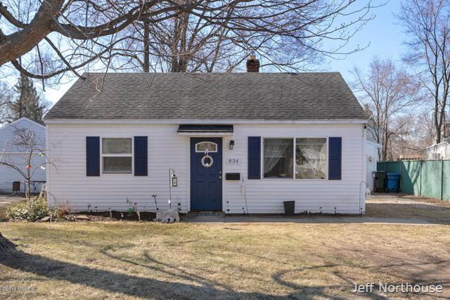 834 33rd Street SW, Wyoming, MI 49509 (MLS #19015638) :: Matt Mulder Home Selling Team
